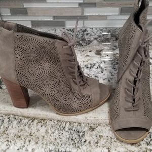Taupe suede short boots booties size 8 like new